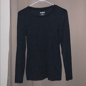 Old Navy Medium Perfect Fitted Tee Dark Gray